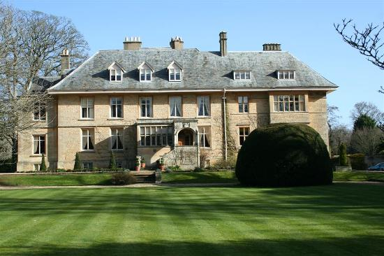 Our Favourite Wedding Venues In The Cotswolds By Jumping Spider Films